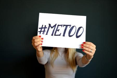 De combien de temps dispose un enfant mineur victime d'un pédophile, de la prostitution et d'autres crimes pour dénoncer les faits? Comment la loi protège les enfants des délinquants sexuels?